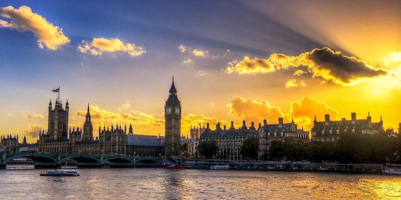Sunset over Parliament and Big Ben in London, London, London (Photo by Paolo Fernandez)