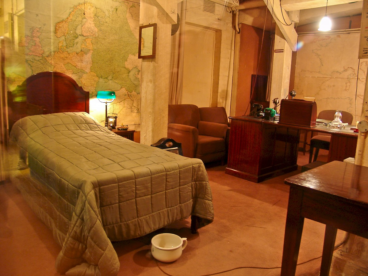 Churchill war rooms london - Churchill war cabinet rooms ...