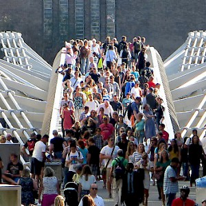 Crossing the Millennium Bridge (Photo by Mariano Mantel)