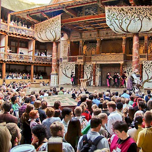 A play at Shakespeare's Globe Theatre (Photo © by Reid Bramblett)