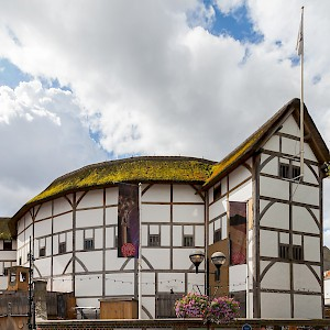 Shakespeare's Globe Theatre, London (Photo by Diego Delso)