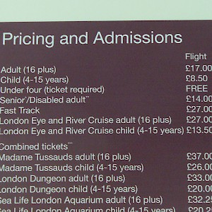 Admission fees at the London Eye observation wheel (Photo by TripNotice.com)