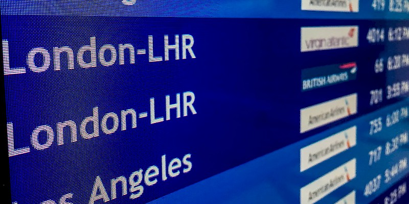 Flights to London Heathrow (Photo © Reid Bramblett)