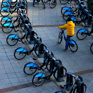 """Boris Bikes"" public short-term bike rentals in London (Photo by Les Haines)"