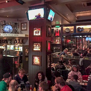The main room of the Hard Rock Café (Photo )