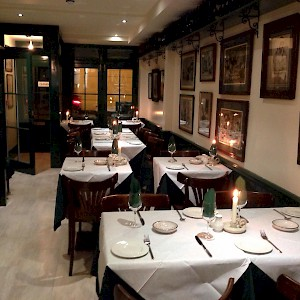The dining room at Daphne, London (Photo by Dortenik)