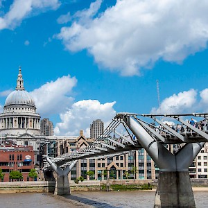 The Millennium Bridge at St Paul's (Photo by Yuan Hsueh)