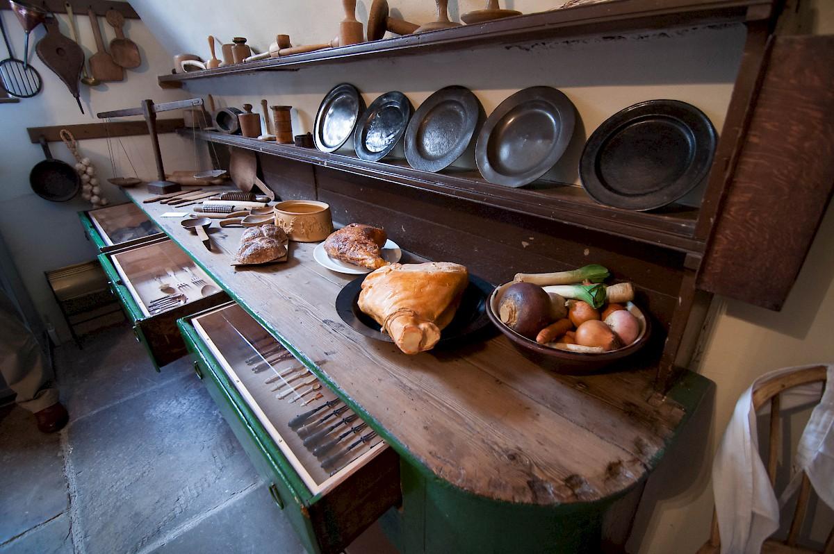 http://www.reidsengland.com/site/assets/files/6881/no1-kitchen.jpg