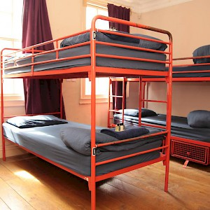 A six-bed dorm room (Photo courtesy of the hostel)