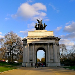 The Wellington Arch, or Consitution Arch (Photo by Martin Deutsch)